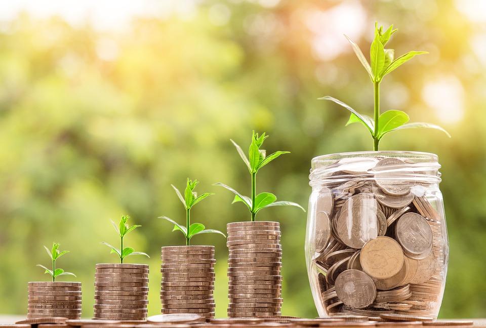 アパート経営は贈与と相続どちらの方が節税になる?