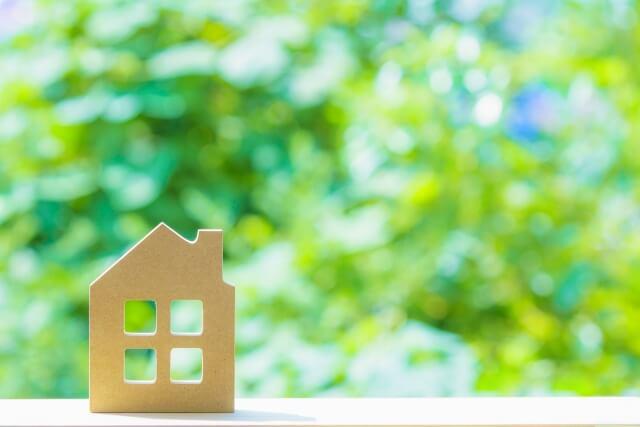 不動産投資に宅建の資格は必要?