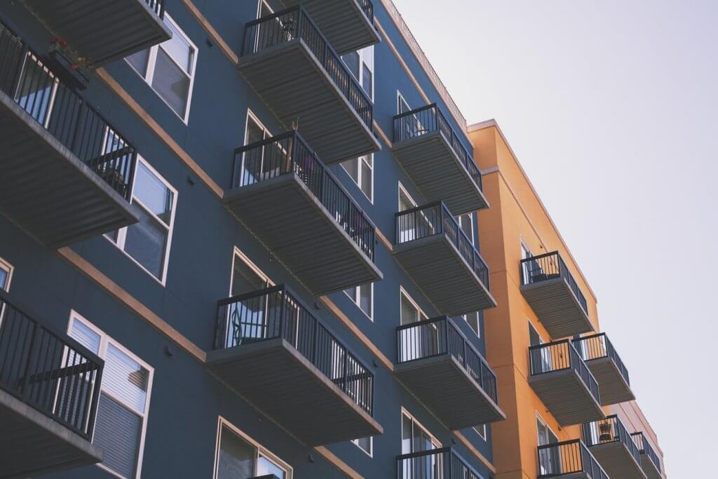 区分マンションと一棟アパートはどちらがよい?