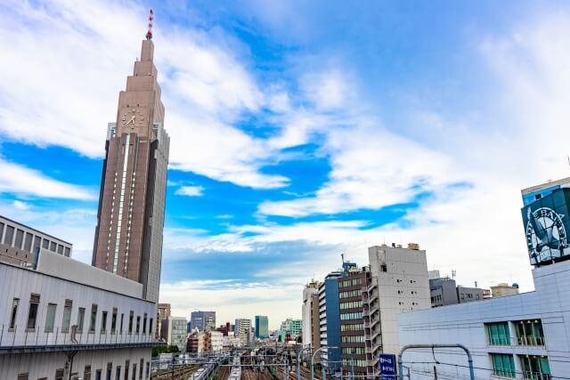 新宿駅周辺の地域情報|住みたい駅5位の理由